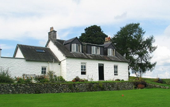 Viewfield Farmhouse, self-catering holiday accommodation in New Galloway